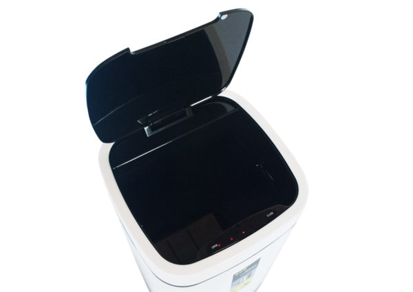 Сенсорное мусорное ведро EKO EK9288P28LWH вид сверхуnbsp- EKOBIN